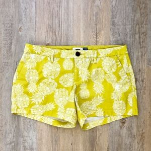 Old Navy Printed Pineapple Shorts Sz 6 (Fit Small)